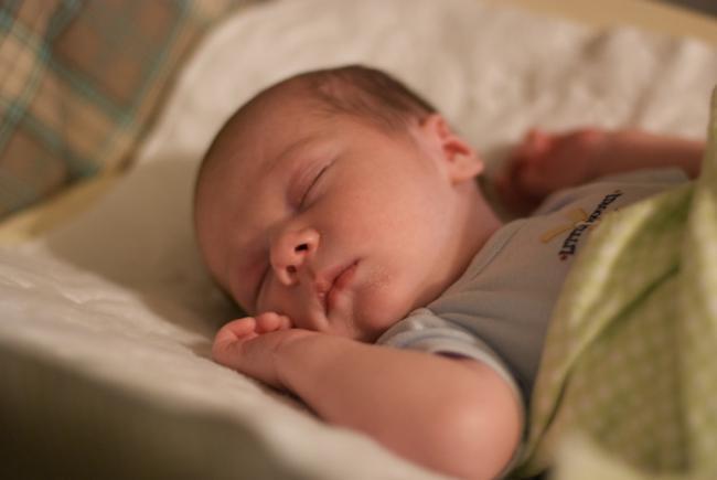 ¿Sabes cómo usar el aire acondicionado con un bebé?